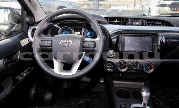 Acheter Importé Voiture Toyota Hilux Noir à Import - Dubai, Région de la Bouenza