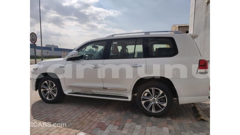 Big with watermark toyota land cruiser r%c3%a9gion de la bouenza import dubai 2224
