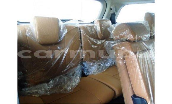 Acheter Importé Voiture Toyota Fortuner Blanc à Import - Dubai, Région de la Bouenza