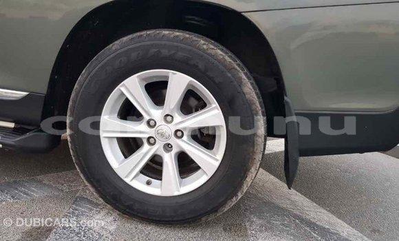 Acheter Importé Voiture Toyota Highlander Vert à Import - Dubai, Région de la Bouenza
