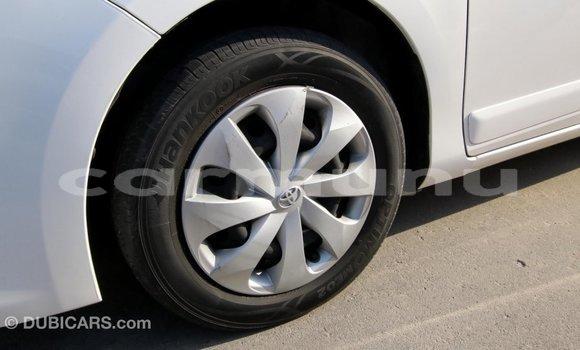 Acheter Importé Voiture Toyota Yaris Blanc à Import - Dubai, Région de la Bouenza