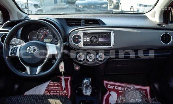 Acheter Importé Voiture Toyota Yaris Rouge à Import - Dubai, Région de la Bouenza