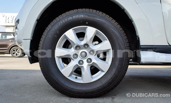 Acheter Importé Voiture Mitsubishi Pajero Blanc à Import - Dubai, Région de la Bouenza