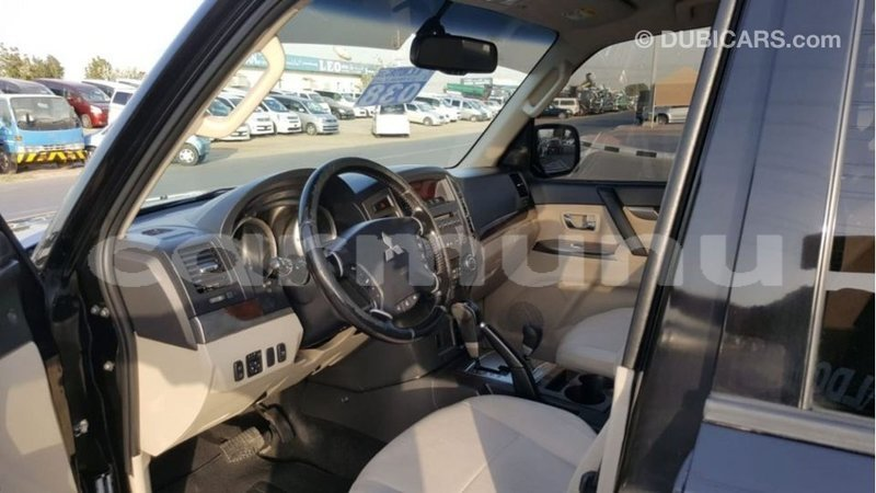Big with watermark mitsubishi pajero region of bouenza import dubai 3439