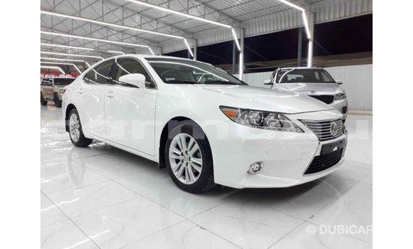 Acheter Importé Voiture Lexus ES Blanc à Import - Dubai, Région de la Bouenza
