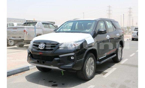 Acheter Importé Voiture Toyota Fortuner Noir à Import - Dubai, Région de la Bouenza