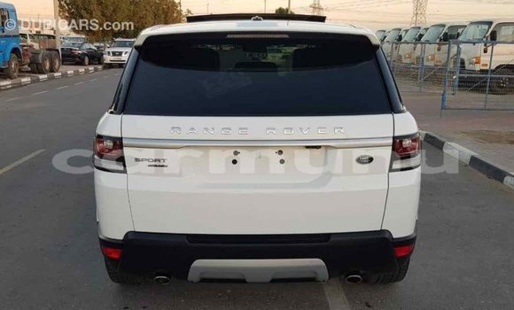 Acheter Importé Voiture Land Rover Range Rover Blanc à Import - Dubai, Région de la Bouenza