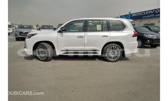 Acheter Importé Voiture Lexus LX Blanc à Import - Dubai, Région de la Bouenza